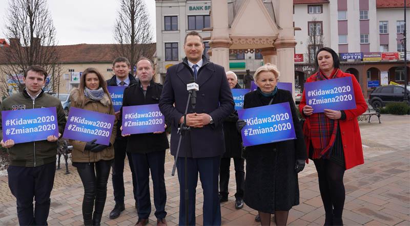 Konferencja prasowa na ropczyckim rynku sztabu lokalnego Małgorzaty Kidawy-Błońskiej