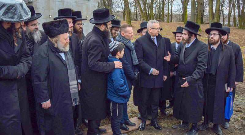 Żydzi z pielgrzymką w Sędziszowie Młp.