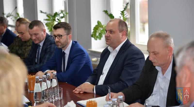 Koronawirus tematem posiedzenia Powiatowego Zespołu Zarządzania Kryzysowego!