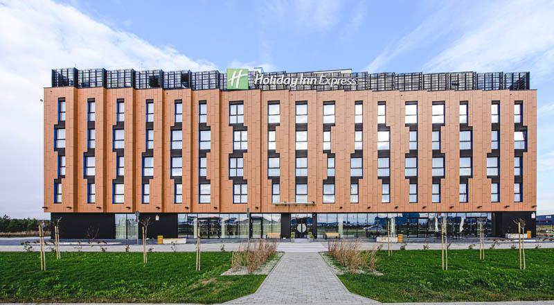 Hotel w Jasionce bazą noclegową dla medyków ze szpitala w Łancucie