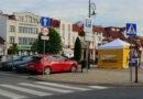 Ekipa Szymona Hołowni na ropczyckim rynku