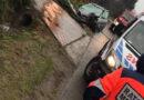 59-latek stracił  panowanie nad pojazdem, uderzył w przepust i ogrodzenie